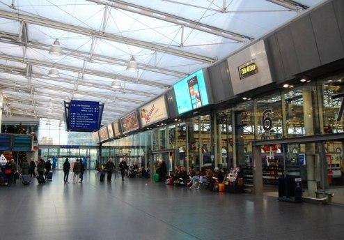 Entrance to platforms Manchester Station