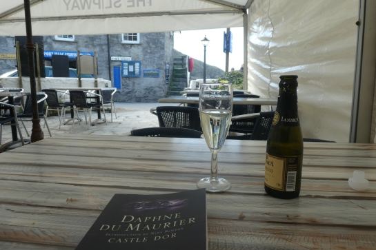 Drinks at the Slipway Hotel after a hard day's exploring. You have to read Daphne Du Maurier when you're in Cornwall.